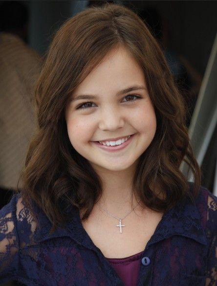 Bailee Madison Soft Curls Hairstyle Girls Haircuts Pictures Of
