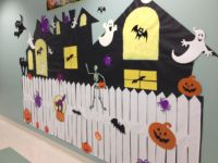 Haunted house craft for school Halloween party.
