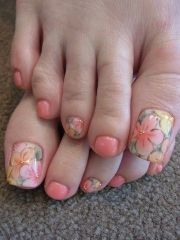 spring and summer time toe nail