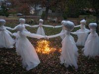 50 Astounding But Easy DIY Outdoor Halloween Decoration ...
