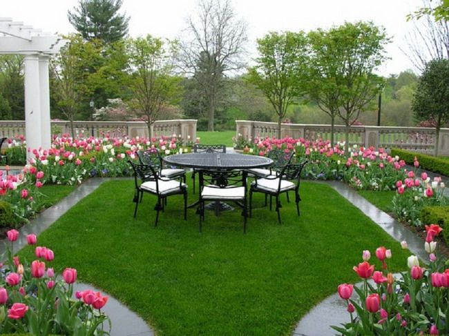 Modern Gardens With Flowers Google Search Garden Design