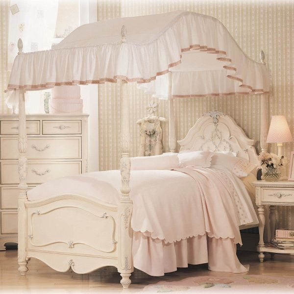 little girls pink bedroom with canopy bed Bedroom: Small Beautiful Pink Canopy Bed For Girls, romantic  | furniture | Pinterest