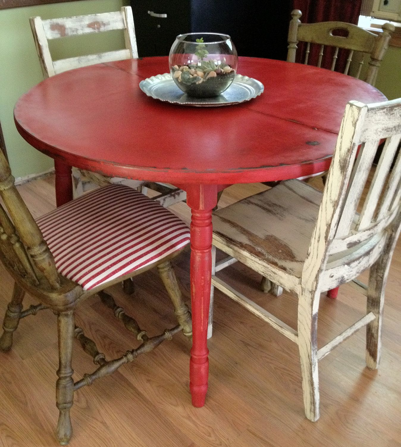 Distressed Round Country Kitchen Table  Vintage Hip