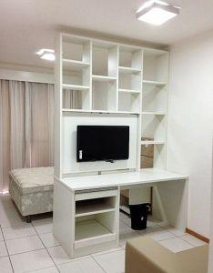 Estante tv giratoria para ambientes also uma dois tvs studio and apartment rh pinterest