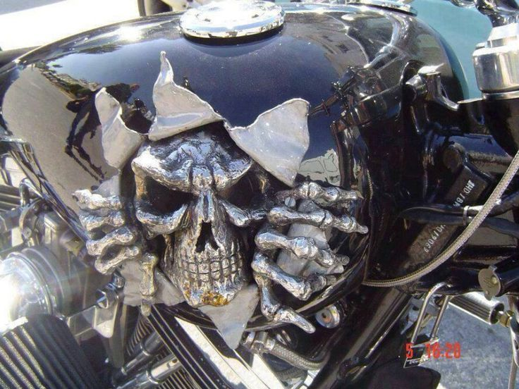 Job Harley Skull Paint Custom