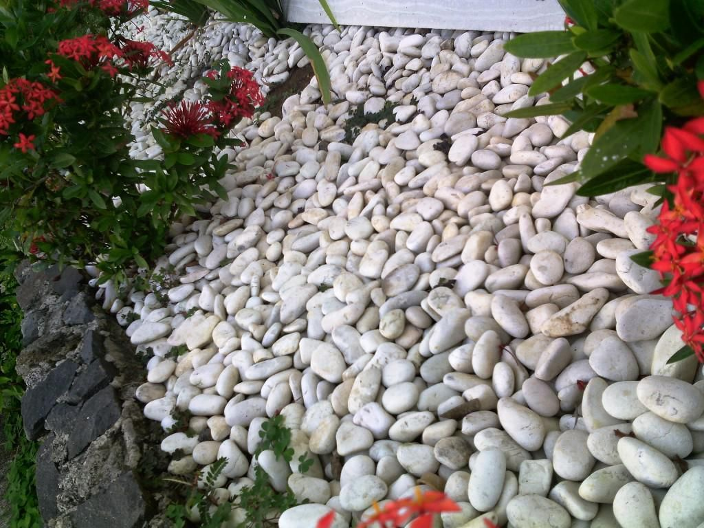 Decorative White Garden Rocks