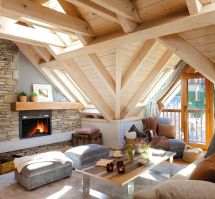 Small Cozy Mountain Cabin Interiors