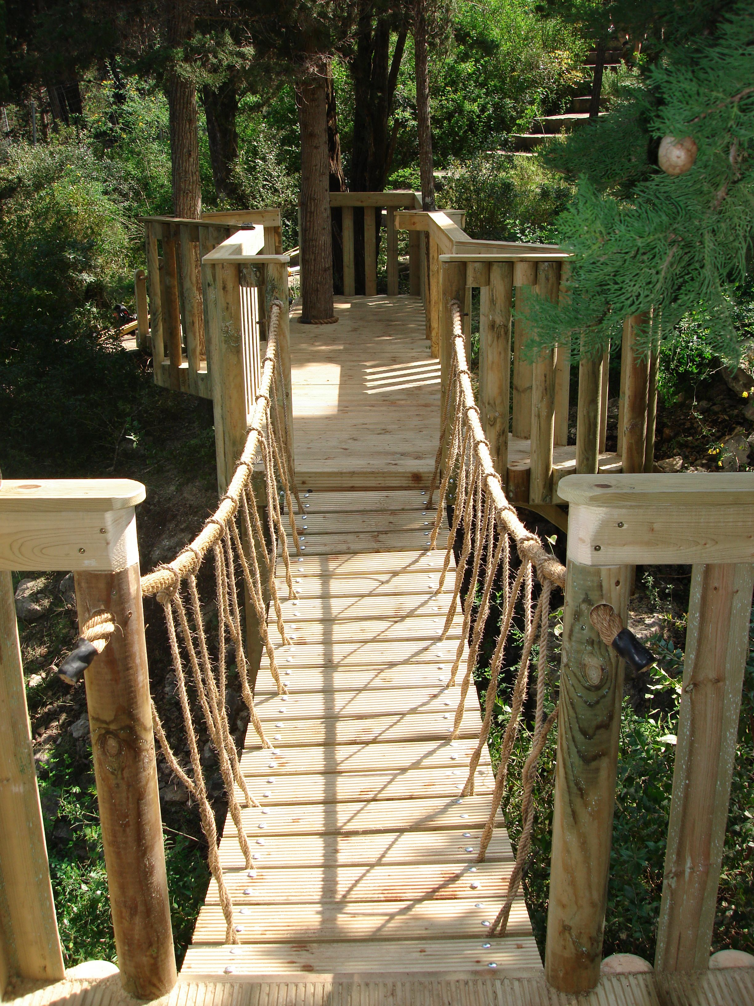Easy Simple Tree House Plans Rope Railing For Awesome Tree