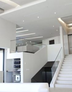 Is  minimalist home located in mulholland drive hollywood and designed by voi  the location offers sweeping views of los angeles basin also here   wonderful space for or office interior design rh pinterest