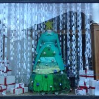 Snow globe/Christmas themed shop window display/visual ...