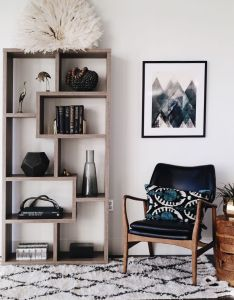 The seattle showhouse house of hipsters home decor also gorgeous shelf styling vignette with juju hat  love neutrals rh pinterest