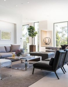 This three story home by designers  plus  features walls of disappearing glass and sumptuous outdoor living spaces in the pacific palisades california also amalfi drive residence beautiful rooms pinterest rh za