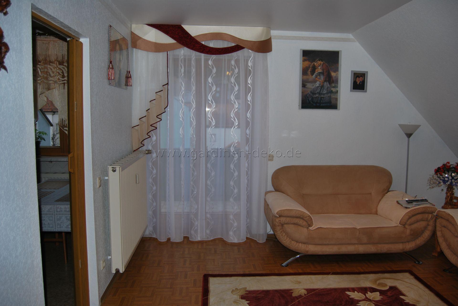 Klassischer Wohnzimmer Vorhang mit StufenHalbschal und