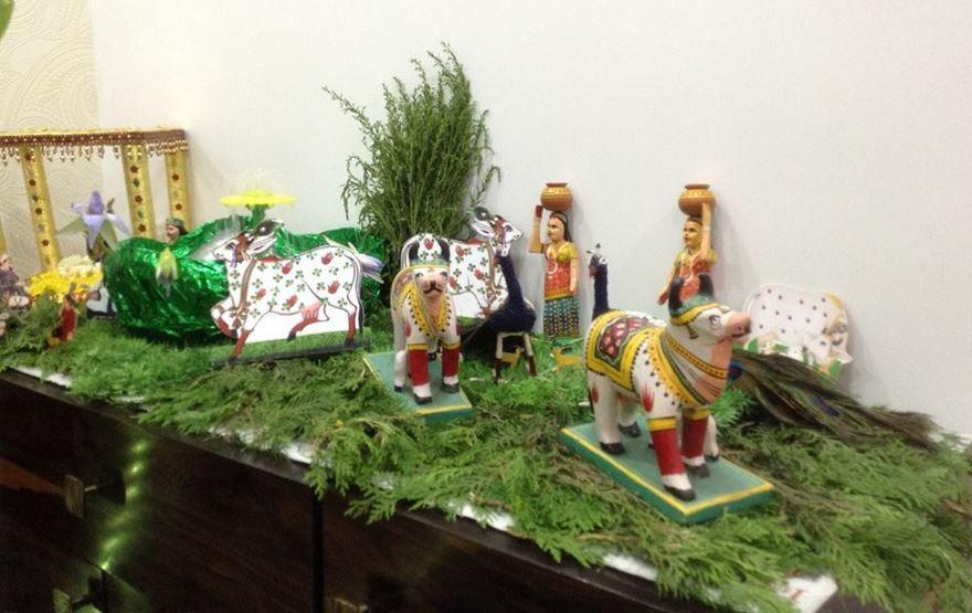 Recreate Vrindavan Through Your Janmashtami Decor Add Statues Of