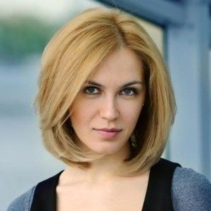 Above Shoulder Length Hairstyles For Thick Hair 300x300 300