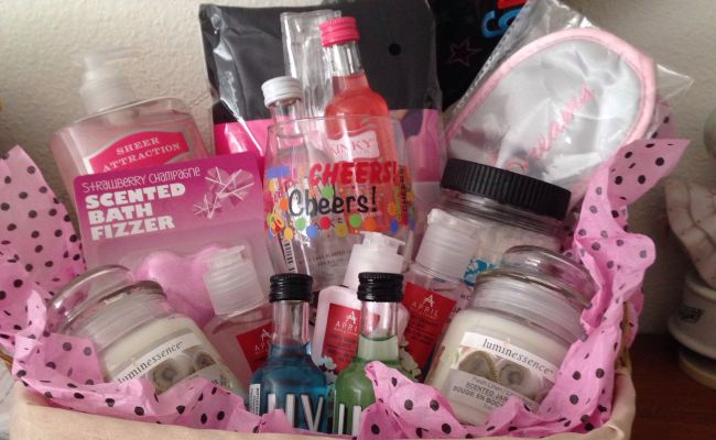 Gift Basket I Put Together For My Besties Bday Laurarivas