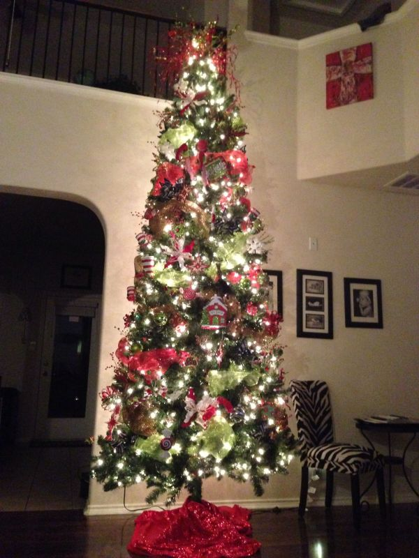 12 Ft Christmas Tree With Deco Mesh. Big Home