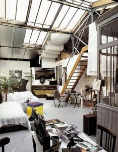 An amazing warehouse studio living space also the beauty inside rh pinterest
