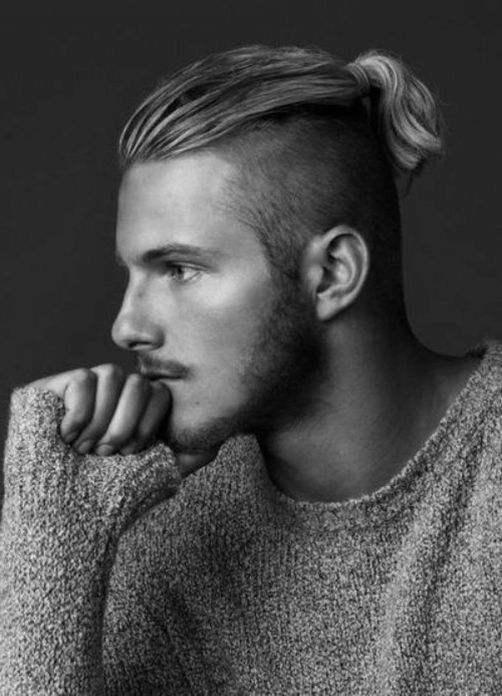 MAN WITH LONG HAIR TOP PONYTAIL Google Search ヘア Pinterest