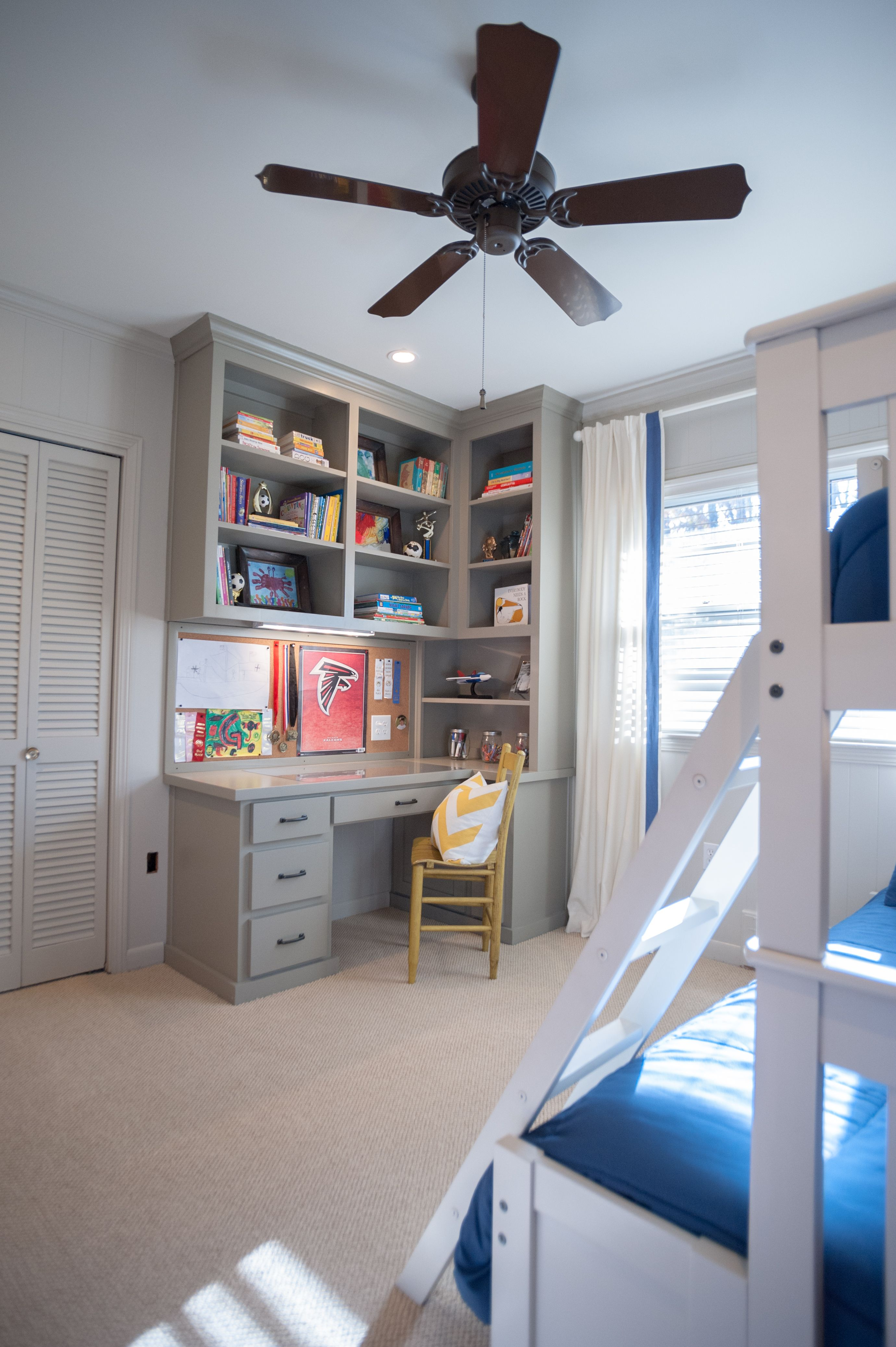Idea for my desk Only I need more bookshelves And a
