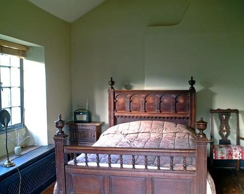 English Cottage Decorating Beautiful Antique Bed Can You Just Imagine What Could Do