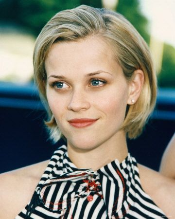 Short Blonde Hair Of Reese Witherspoon Look Amazingly Sexy And