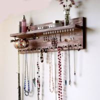 25+ unique Wall mounted necklace holder ideas on Pinterest ...