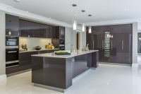EXTREME Contemporary minimal high gloss kitchen design in ...