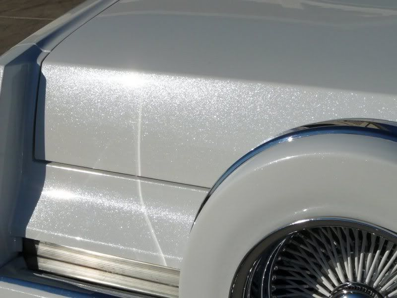 Snow White Custom Car Paint Job Glitter