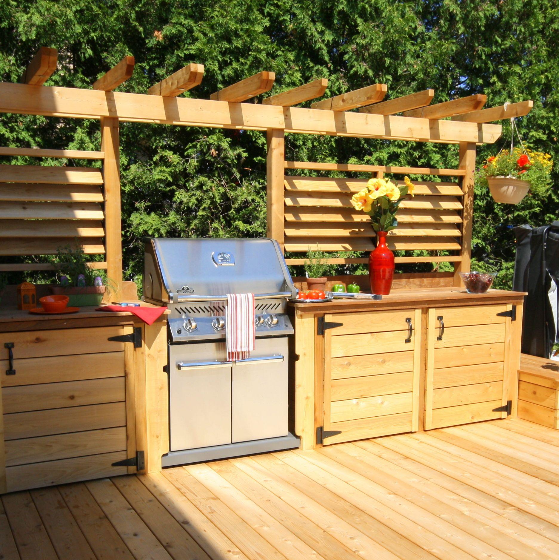Un patio avec cuisine exterieure un ete rempli de soirees for Club piscine pierrefonds