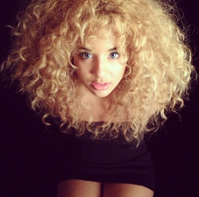 15 Problems Only Girls With Curly Hair Understand Expected
