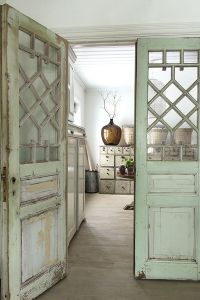 ETT RUM (Vintage house) | Interior door colors, Wood ...