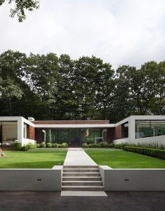 The new canaan residence is  modern white house in connecticut woods it designed by specht harpman architects to provide feeling of floating also mapps beams columns and rh pinterest