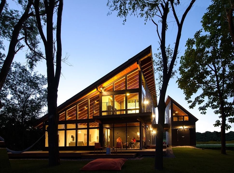 Cool Lake Home Designed To Enjoy The Views And Create Art House