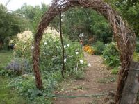 diy garden archway | love that Leslie's garden entrance is ...