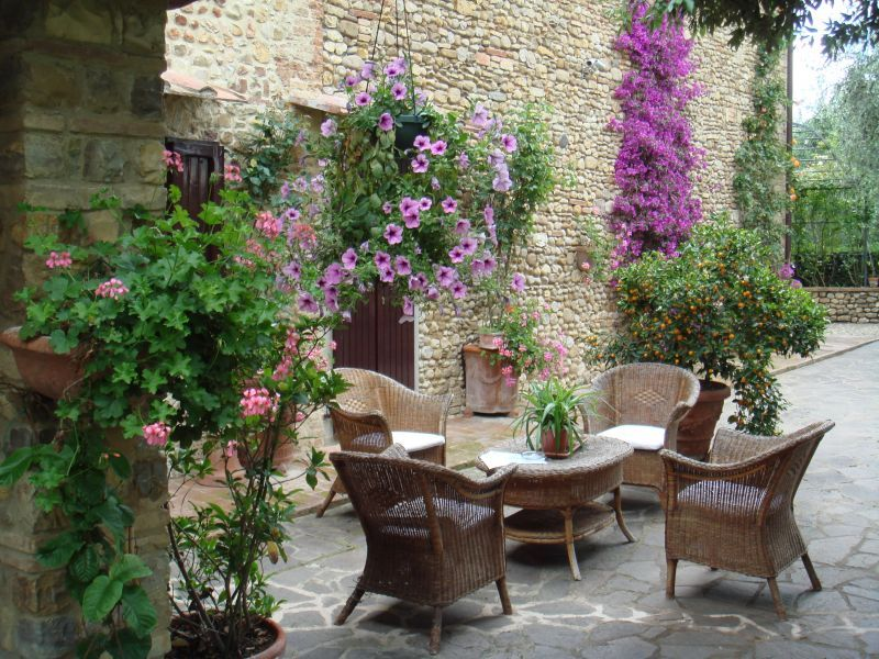 Tuscany Gardens Quirico In Collina Holiday House With