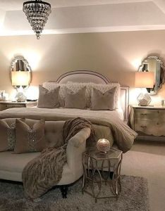 Decorer votre pied de lit idees pour vous inspirer neutral bedroom decorchic also bedrooms rh pinterest
