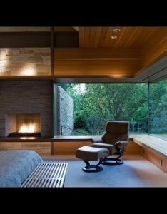 Design of fireplace and ceiling is striking the wrap around window would be amazing with  pond private courtyard for view if you did not have also bb fe db eb    de    pixeles arq rh pinterest