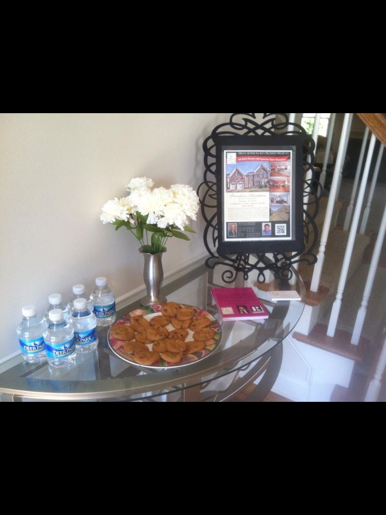I Love The Idea Of Using A Picture Frame To Hold The Flyer! All