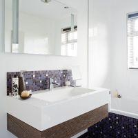 Modern bathroom with mosaic tiles | Mosaic tile bathrooms ...