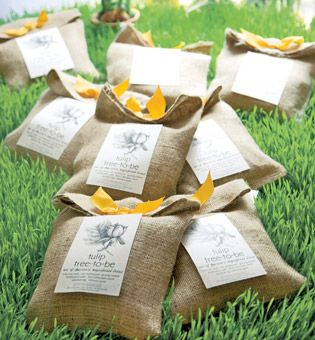 Elegantly Wrapped Favors Of Tulip Bulbs Are The Prefect T For A