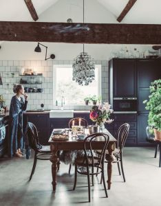 Country charm kitchen ideas beautiful homes beams modern kitchens nice houses ceiling also pin by xiaofan yang on interior pinterest decoration rh