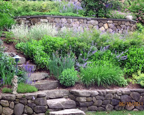 Traditional Residential Steep Slope Landscaping Design Pictures