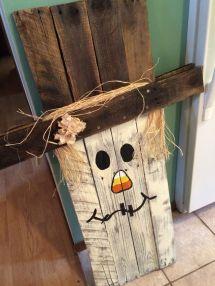 Scarecrow. Side Snowman. Pallet Wood