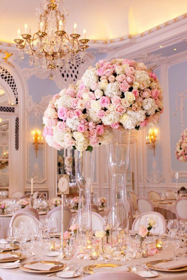 centro de mesa de rosas blancas y rosas  Flores