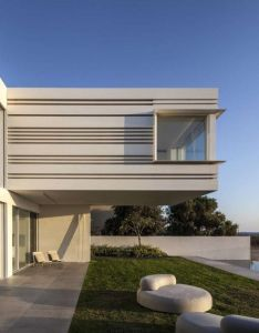 house by the sea shore pitsou kedem architect also architects rh pinterest
