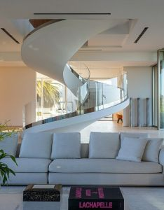 Glass stairs house entrance luxury houses dream spiral staircases goals modern interiors eu sou rica design also pin by los cachivaches de mi abuela on stair pinterest rh