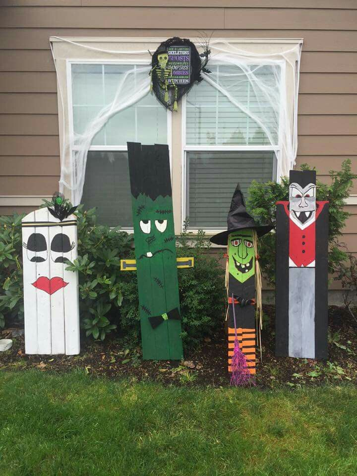 Halloween decorations from a pallet.