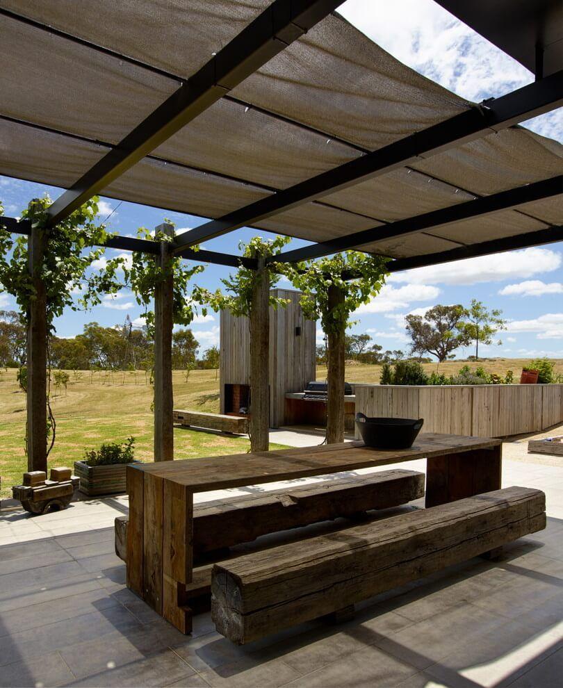 House Carqueija in Brazil by Bento+Azevedo Architects