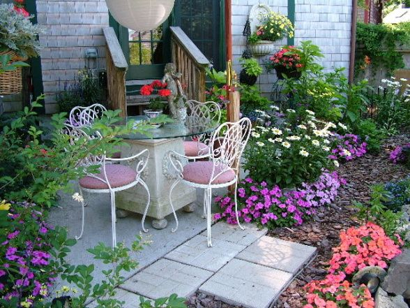 My Cape Cod Secret Garden A Small Patio And Garden For Dining And